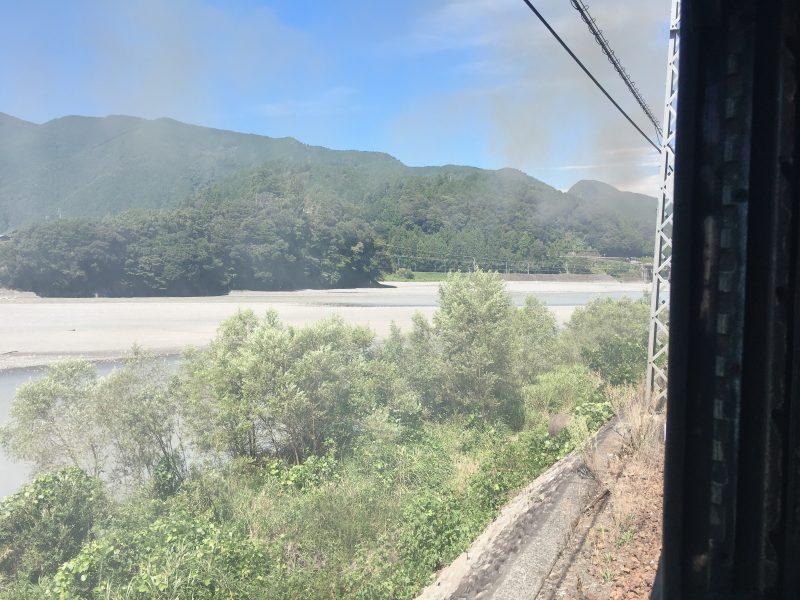 機関車の煙